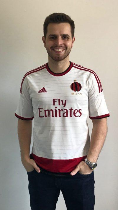 d303f83518 Chegou a vez de apresentar a sétima camisa do Milan da minha coleção. O  modelo é o reserva